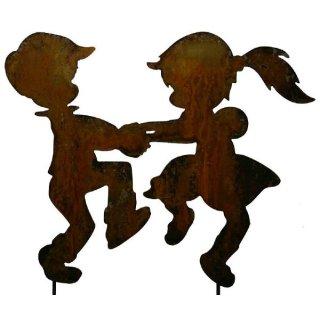 Junge und Mädchen tanzend
